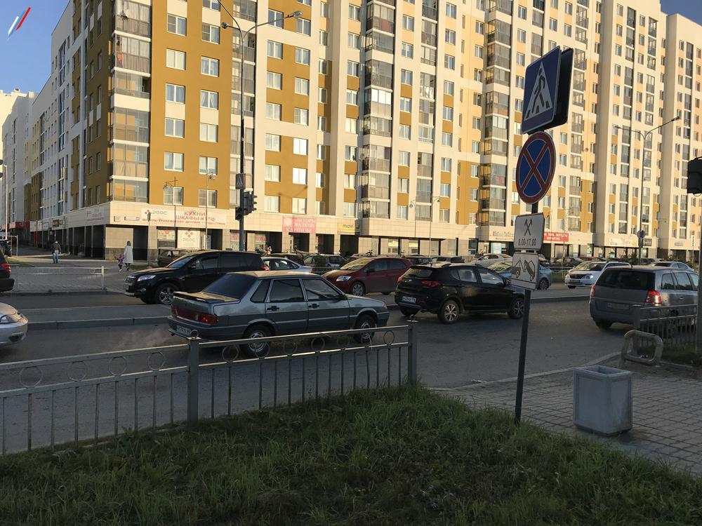 """Отсутствует разметка """"пешеходный переход"""" на перекрёстке А.Мехренцева-П.Шаманова"""