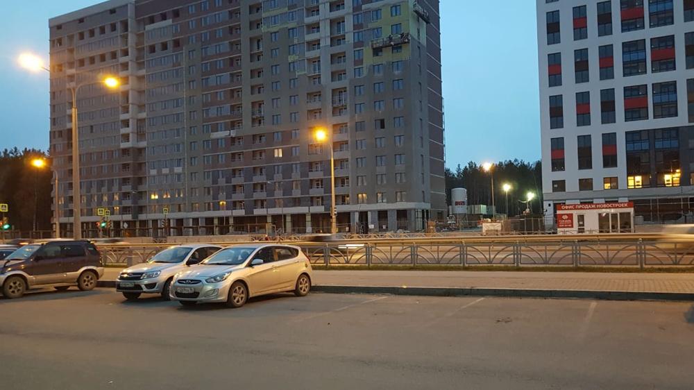 """Исчезла реклама """"Атомстройкомплекса"""", Берёзовая роща, Екатеринбург, октябрь, 2019г."""