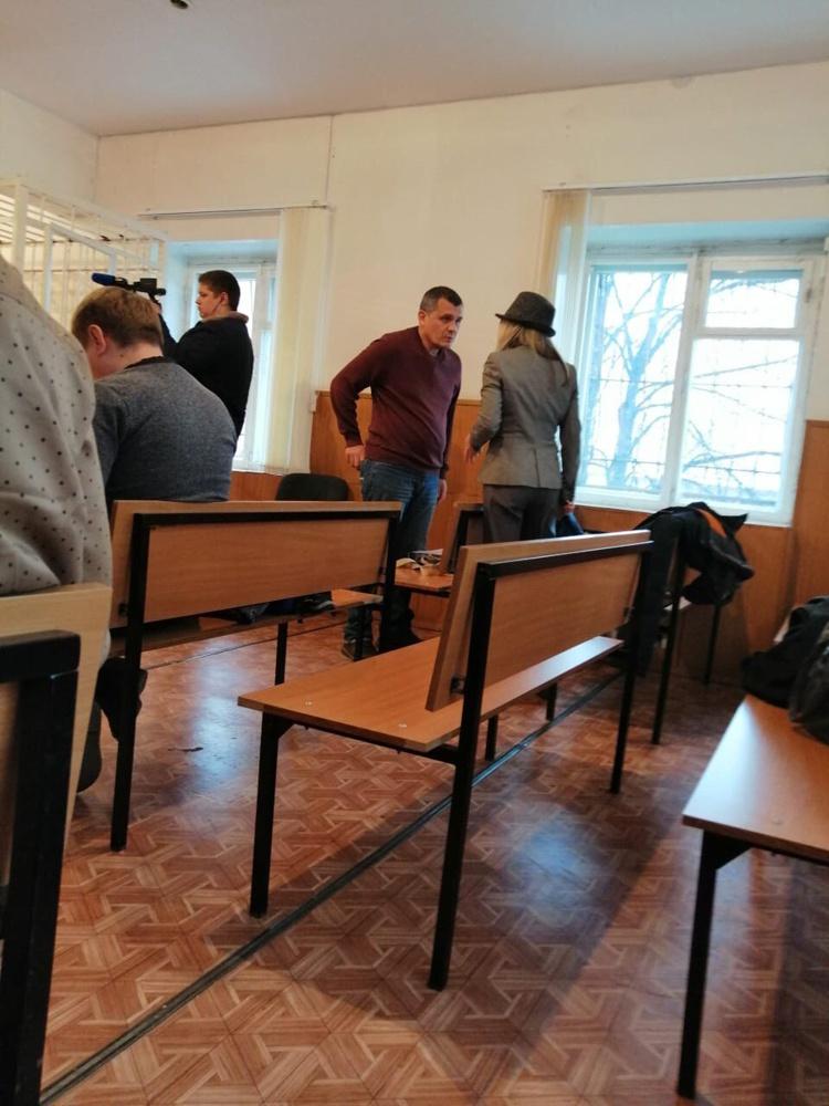 Подсудимый Гамиль Асатуллин с оппозиционеркой Марией Берсеневой
