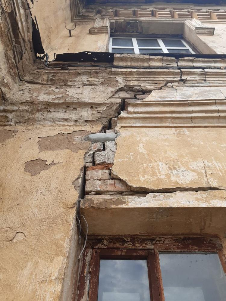 Разваливающийся Дом офицеров Оренбургского гарнизона