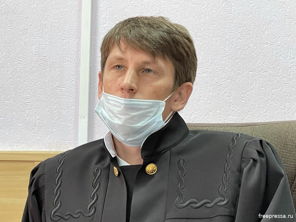Судья Олег Месяц